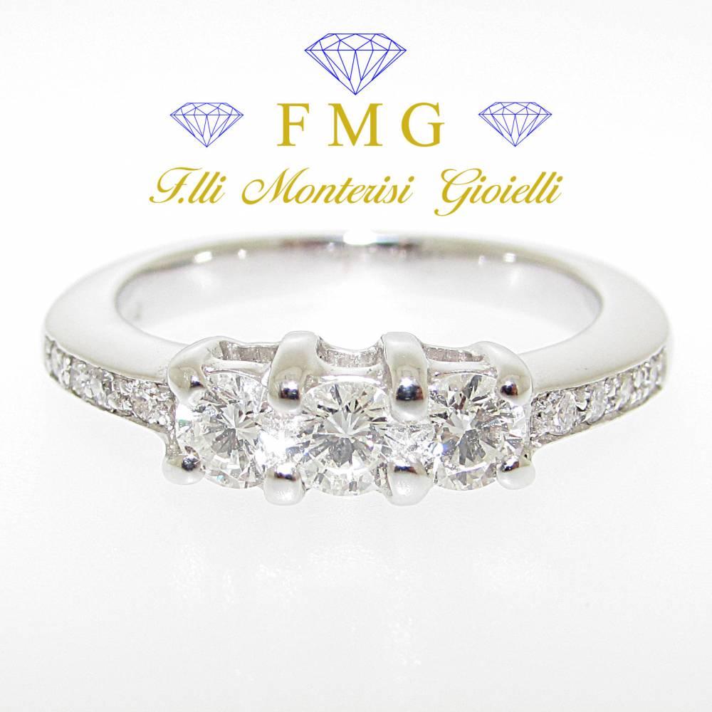 Anello trilogy veretta diamanti carati 0,53 colore G purezza VS1.